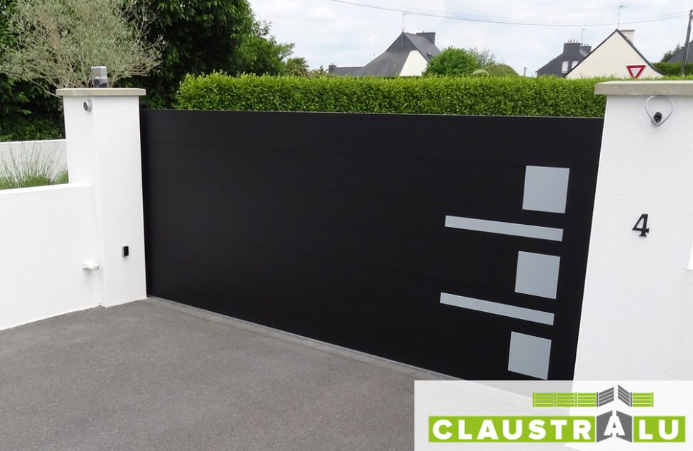 portail aluminium design moderne traditionnel ou personnalis claustralu. Black Bedroom Furniture Sets. Home Design Ideas