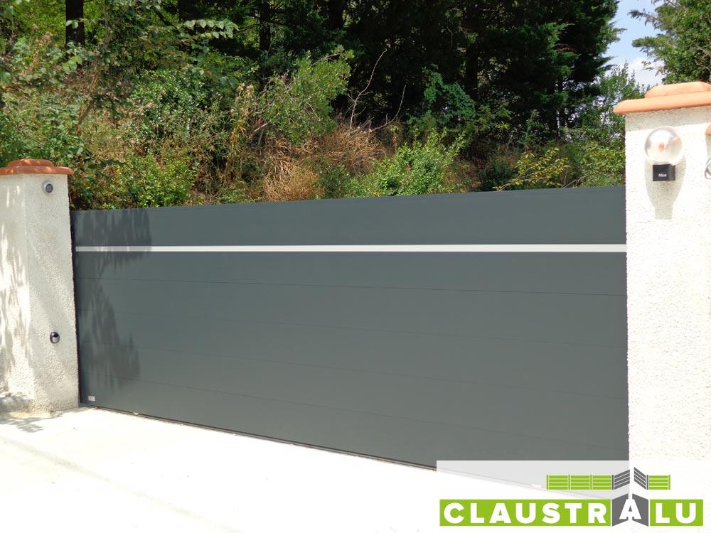 Préférence Portail coulissant alu contemporain pour maison avec lame design TJ63