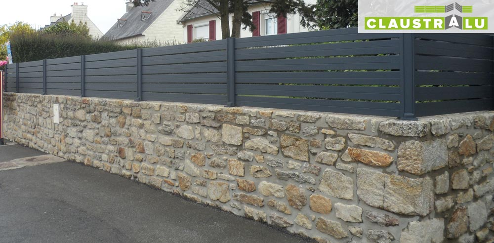 Cloture alu gris anthracite great cloture alu ajoure with for Cloture aluminium noir
