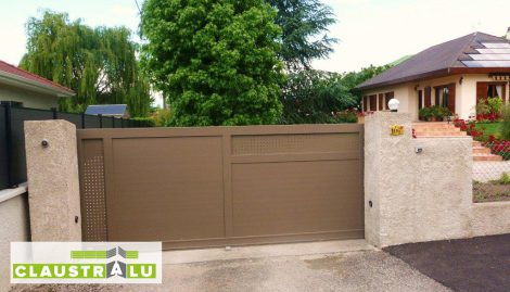 Portail coulissant Alu Gris Taupe