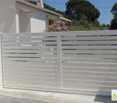 Portail coulissant Classique RAL 9010 en Aluminium