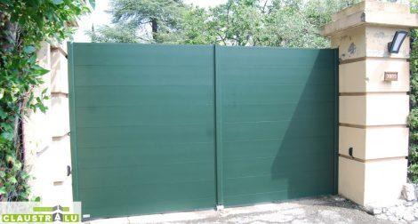 Portail à deux vantaux couleur vert